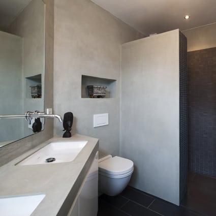 Stijlvol en waterdicht badkamerstuc | Met oude of nieuwe materialen