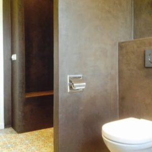 Ecowonen chocolade bruine badkamer in stucdeco - Bruine en beige badkamer ...